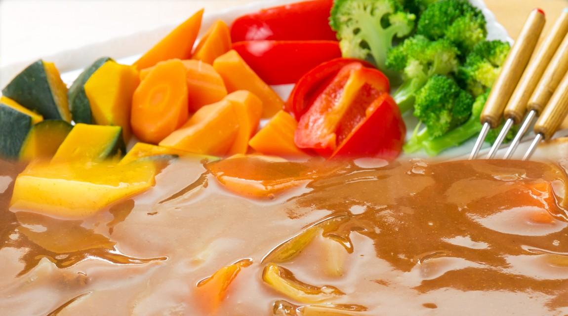 野菜がいっぱい食べられる。採れたての有機野菜でカレーフォンデュ