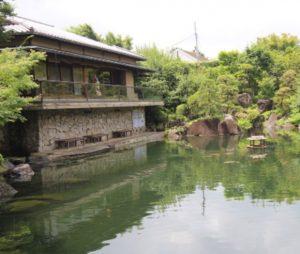 【目白駅】緑溢れる街中を散策、美しい庭園、湧き水溢れる森をご案内!